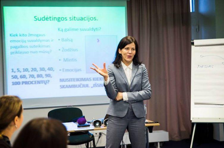 Efektyvaus konsultavimo ir aptarnavimo metodika